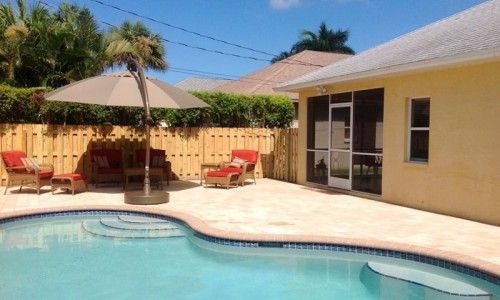 Naples-Park-Claudias-Coastal-Cottage-Vacation-Rental-Pool